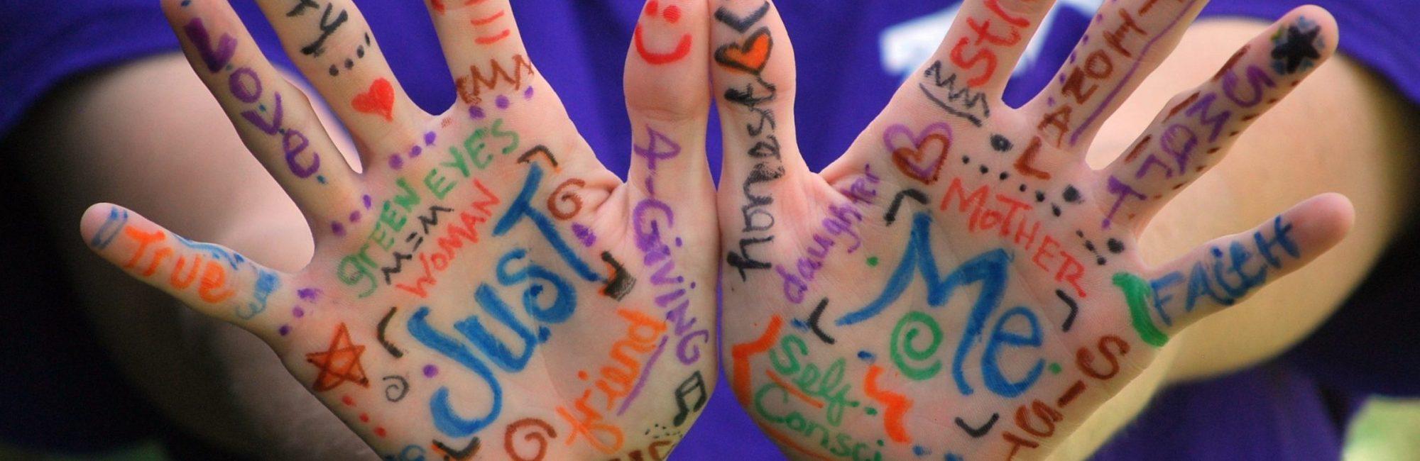 hands-423794